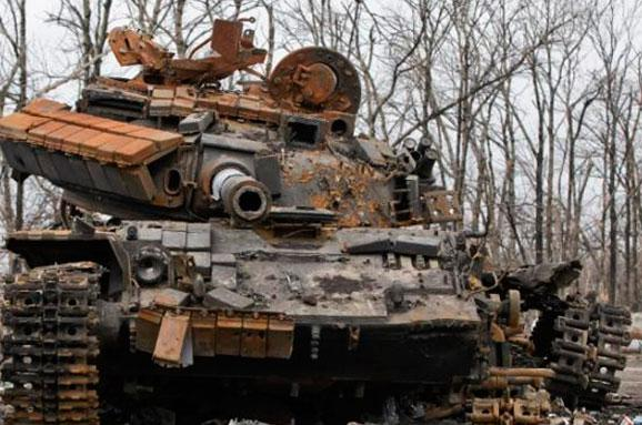 im578x383-wreced-tank_AP-Photo