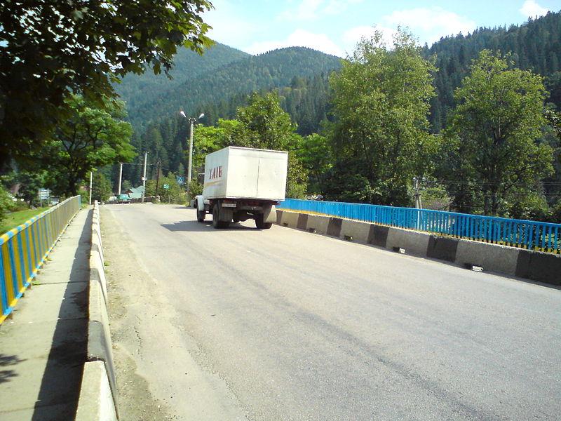 Road_P_24_Tatariv_Ukraine_Aug_2014
