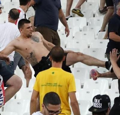 im578x383-Russia-Marseille-fans-01