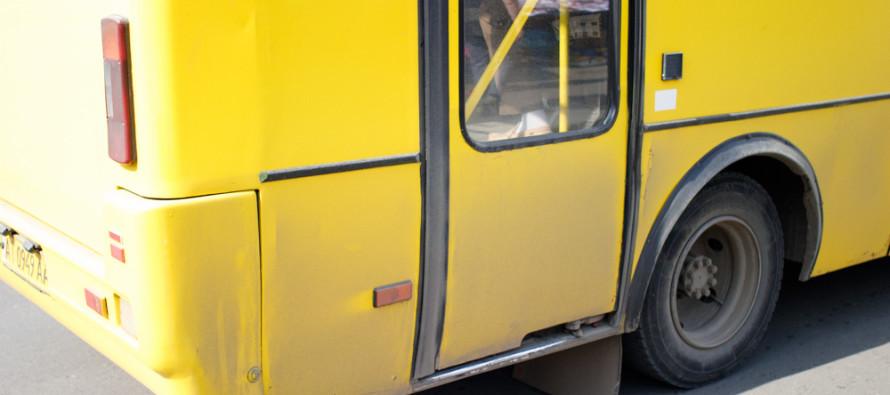 Marshrutki-avtobusi-proyizd-busik-pizhik-Bogdan-perevizniki-zupinka_3867-890x395