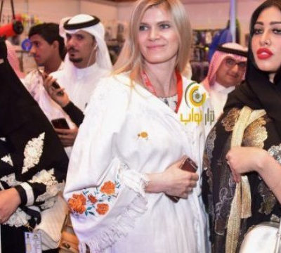 """Франківчанка в Саудівській Аравії створює унікальні """"вишиванки-абаї"""" (фото) 3da172bd024f9"""