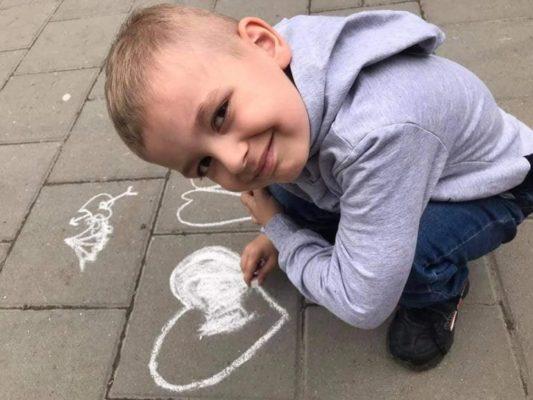 """""""Їй було тільки 27. Двоє діток залишися круглими сиротами"""": у Львові раптово померла молода мама"""